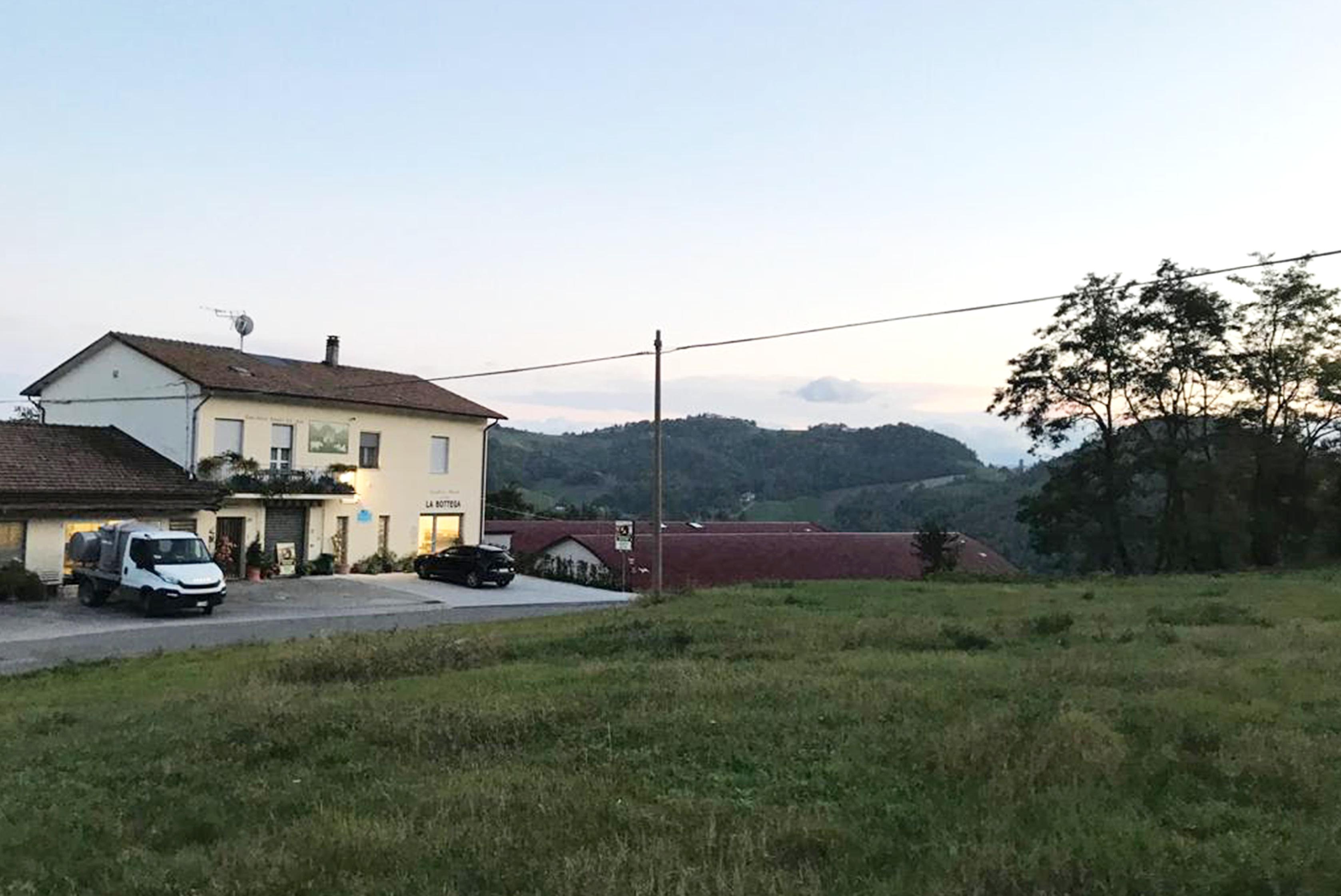 Image https://shop.parmigianoreggiano.com/media/contentmanager/content/Caseificio.jpg