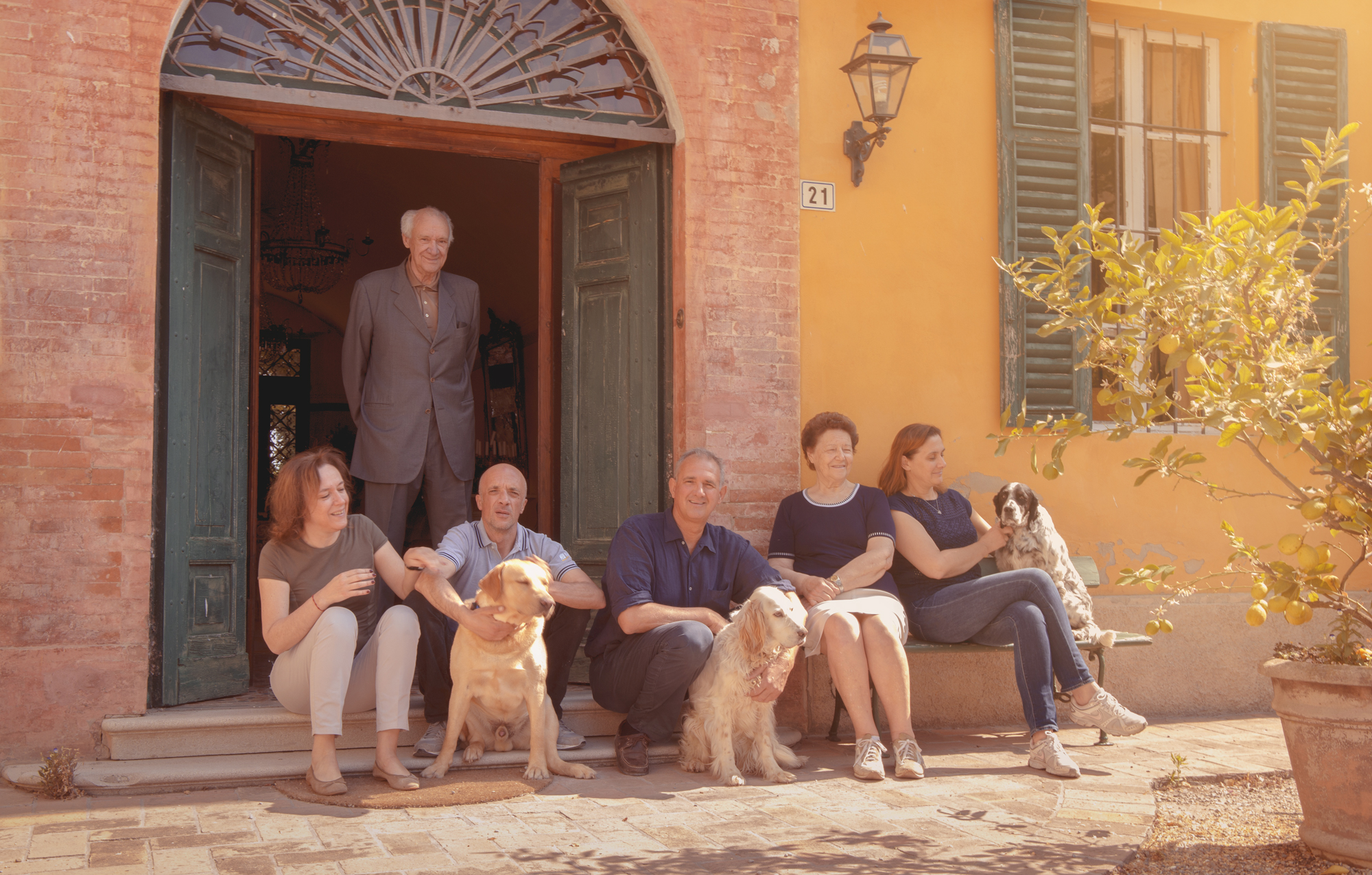 Image https://shop.parmigianoreggiano.com/media/contentmanager/content/Valserena_esterno-3.jpg